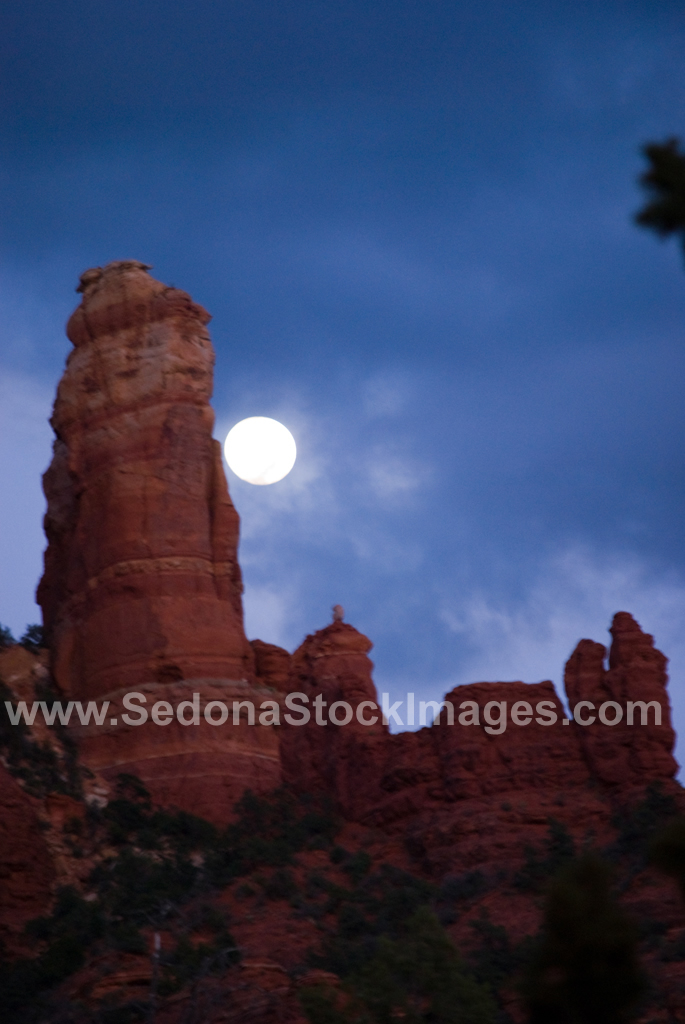 SnoopyMoon3729.jpg, Sedona Stock Images, Sedona Stock Photo, Landscape Photographer Victor Cariri, Snoopy Moonrise