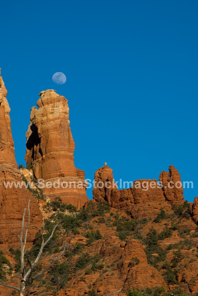 SnoopyMoon3946.jpg, Sedona Stock Images, Sedona Stock Photo, Landscape Photographer Victor Cariri, Snoopy Moonrise